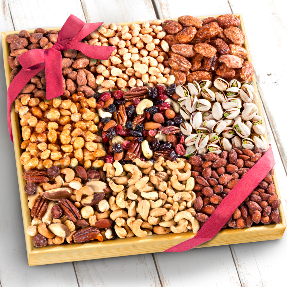 3 Lb Nuts Extravaganza Gift in Wooden Tray