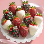 12 Holly Jolly Christmas Chocolate Covered Strawberries