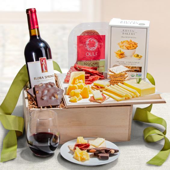 FG2000-NF04710, Epicurean Gift Crate with LangeTwins Cabernet Sauvignon
